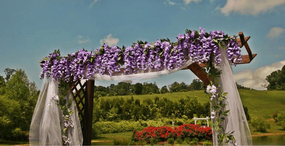 Outdoor Wedding Photos for Every Season